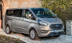 Ford Tourneo Custom фото